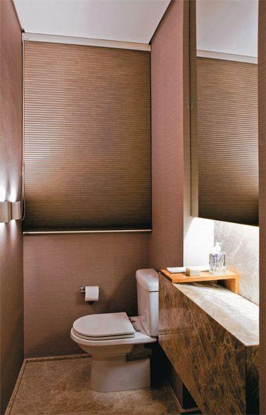 No lavabo assinado pelo arquiteto Ricardo Miura e pela designer Carla Yassuda...