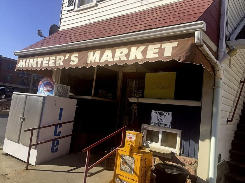 A retail twist New Minteer's Market owners plan to add a