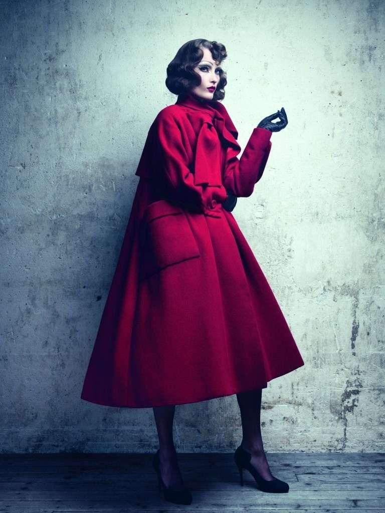 Mostra Esprit Dior a Shanghai - Cappotto rosso vintage