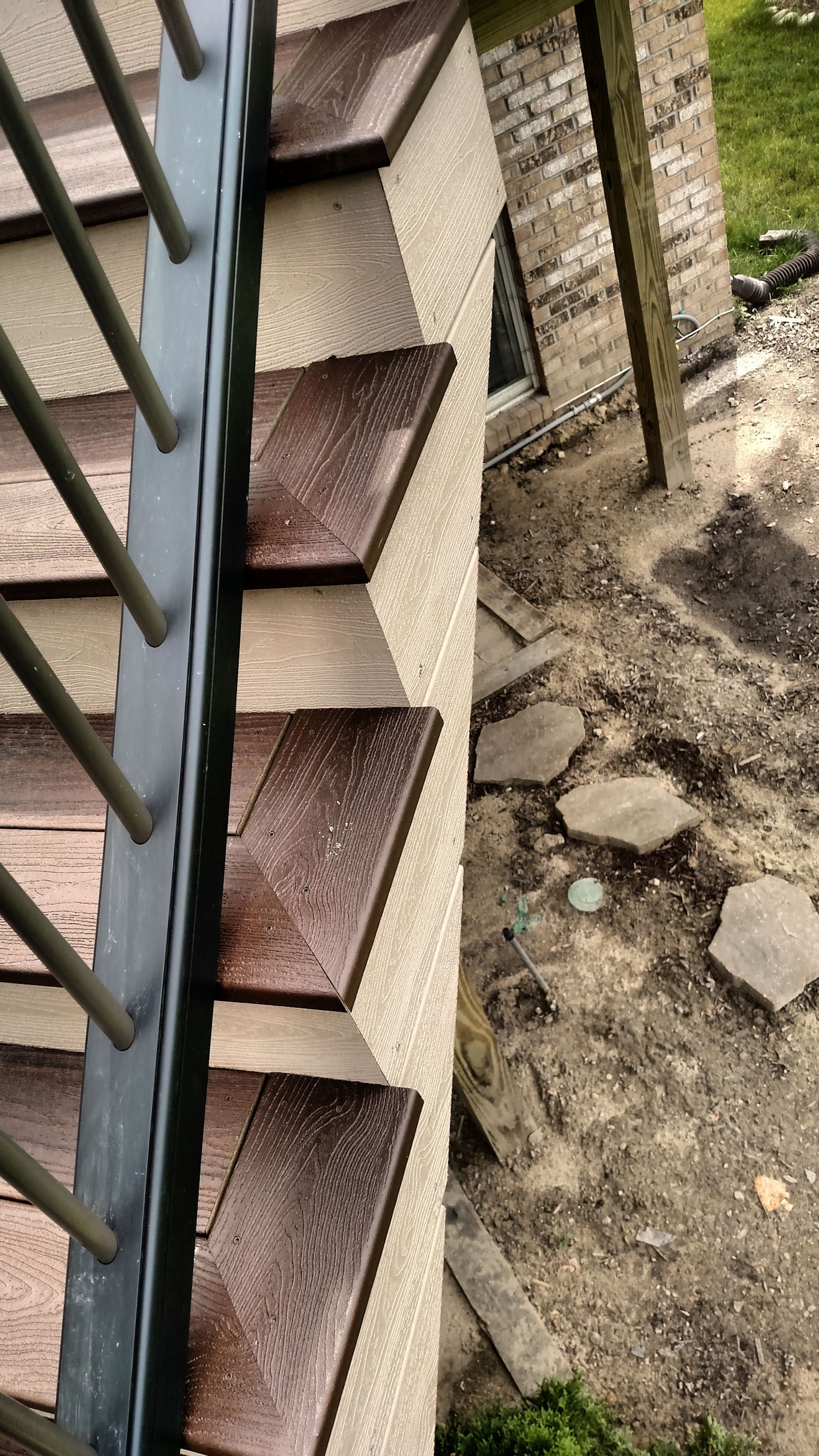 Best Pin About Deck Stairs And Deck Landscaping On Trex Deck 16 640 x 480