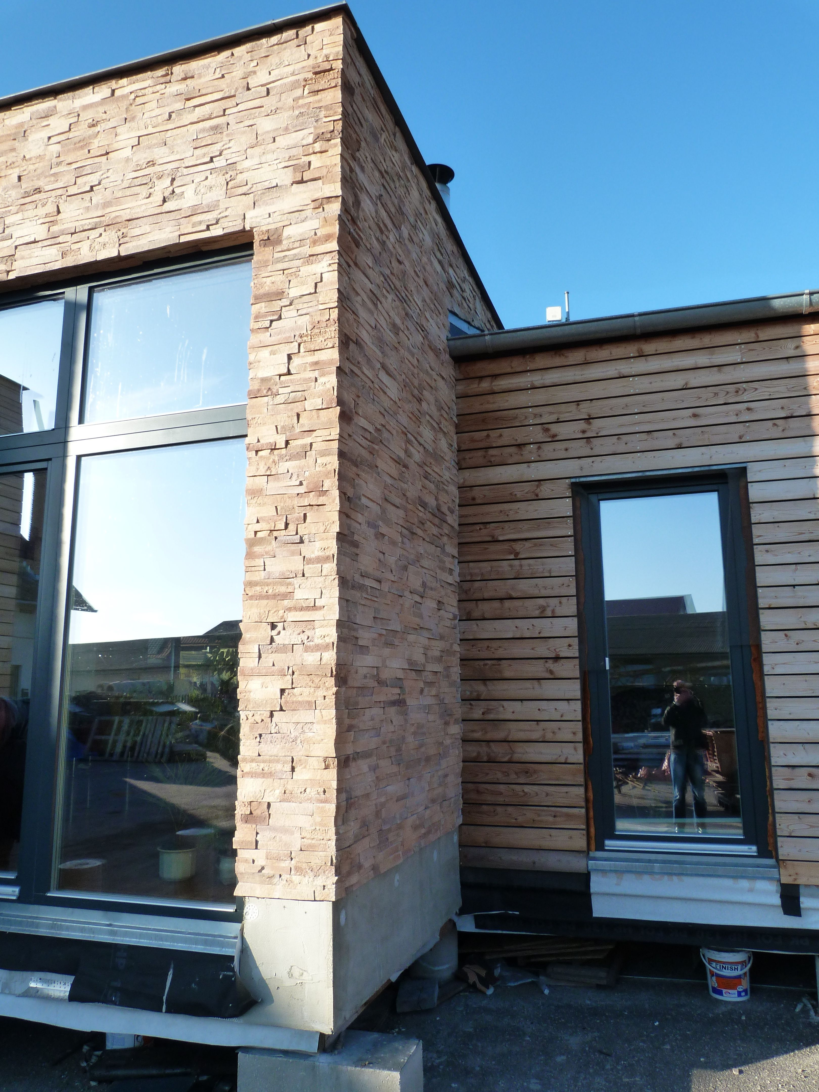 On The Facade Of The House Was Used A Combination Of Larch