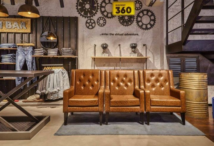 Superbe Http://www.glamshops.ro/shop Review Roadster Garage  Shop In Bengaluru By Restore Design.html | Store Interiors | Pinterest |  Garage Shop