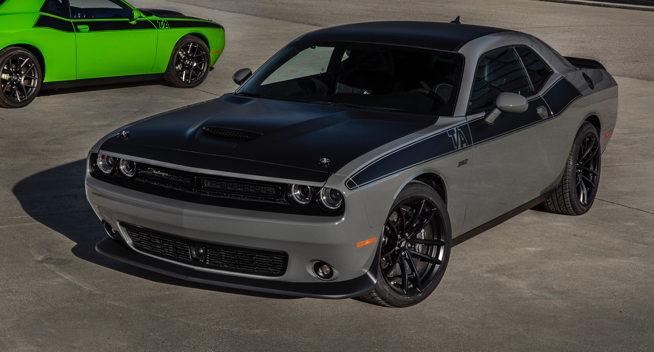 small resolution of 2017 dodge challenger t a 392 in destroyer grey