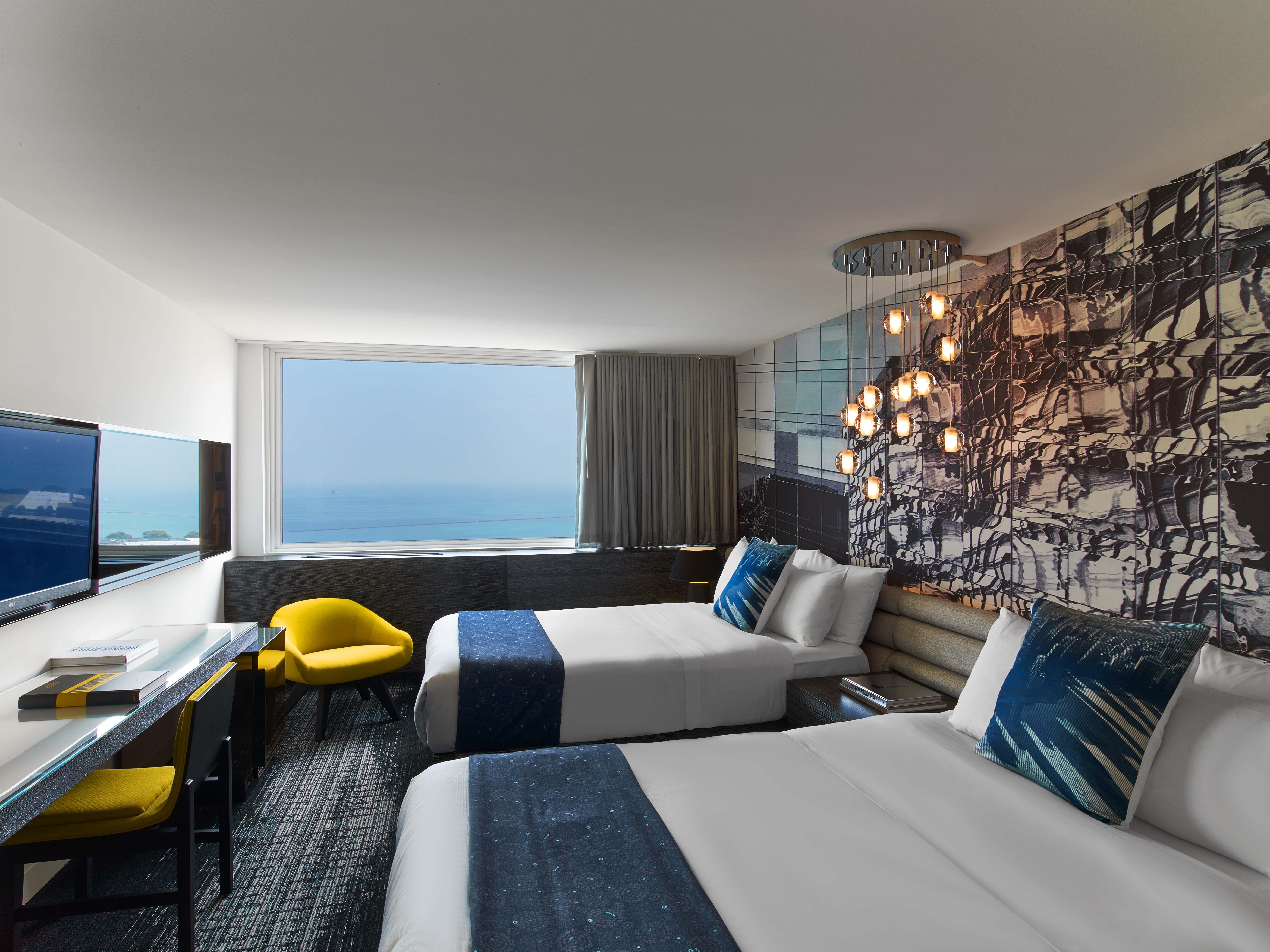 The W Lakeshore Hotel, IL. Design Firm Meyer Davis. Lounge