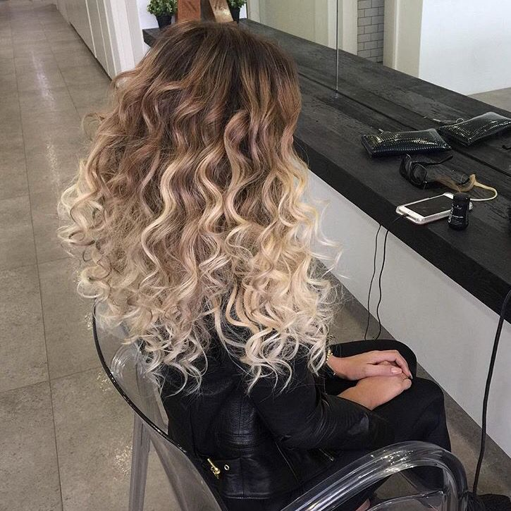 Anastasiaterkh ∙∙∙∙↠ H A I R S T Y L E S Curly