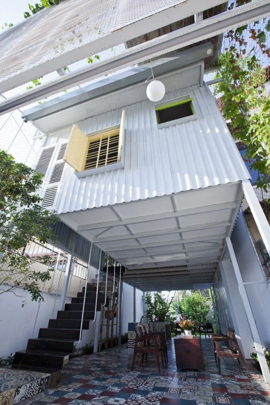 The Nest A21 Studio House On Stilts Container House Design Container House
