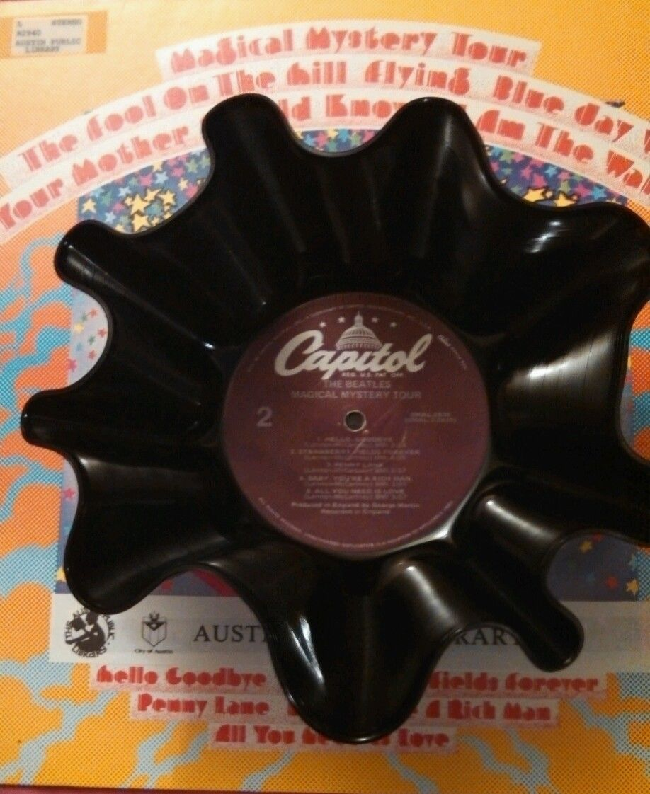 The BEATLES Magical Mystery Tour- Vinyl Record Bowl - Purple Capitol Label
