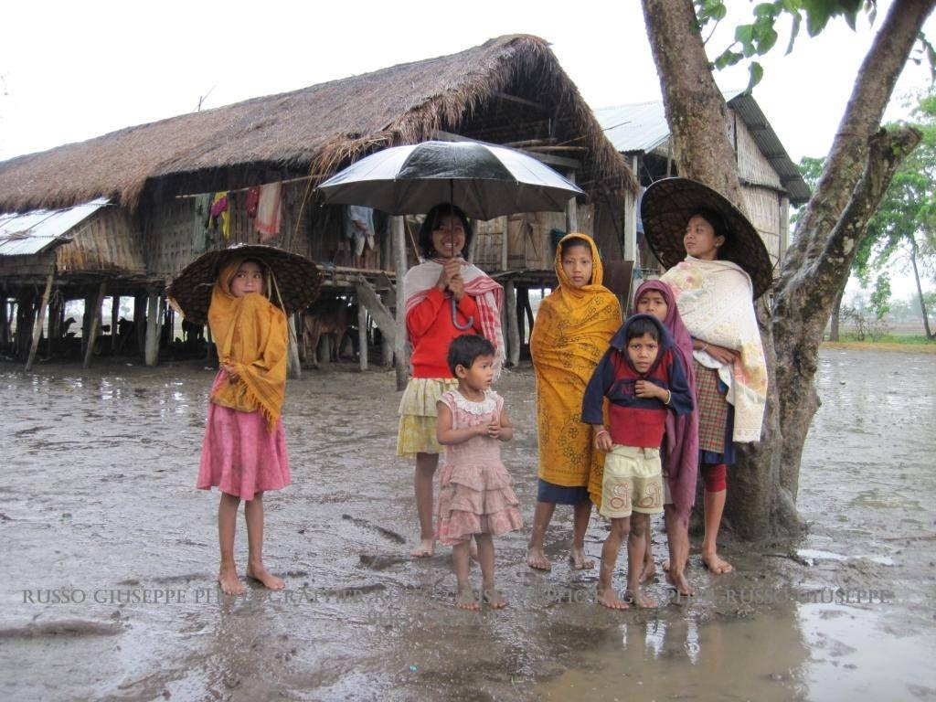 Bambini Indiani ~ Assam mishing people gruppo bambini india and people