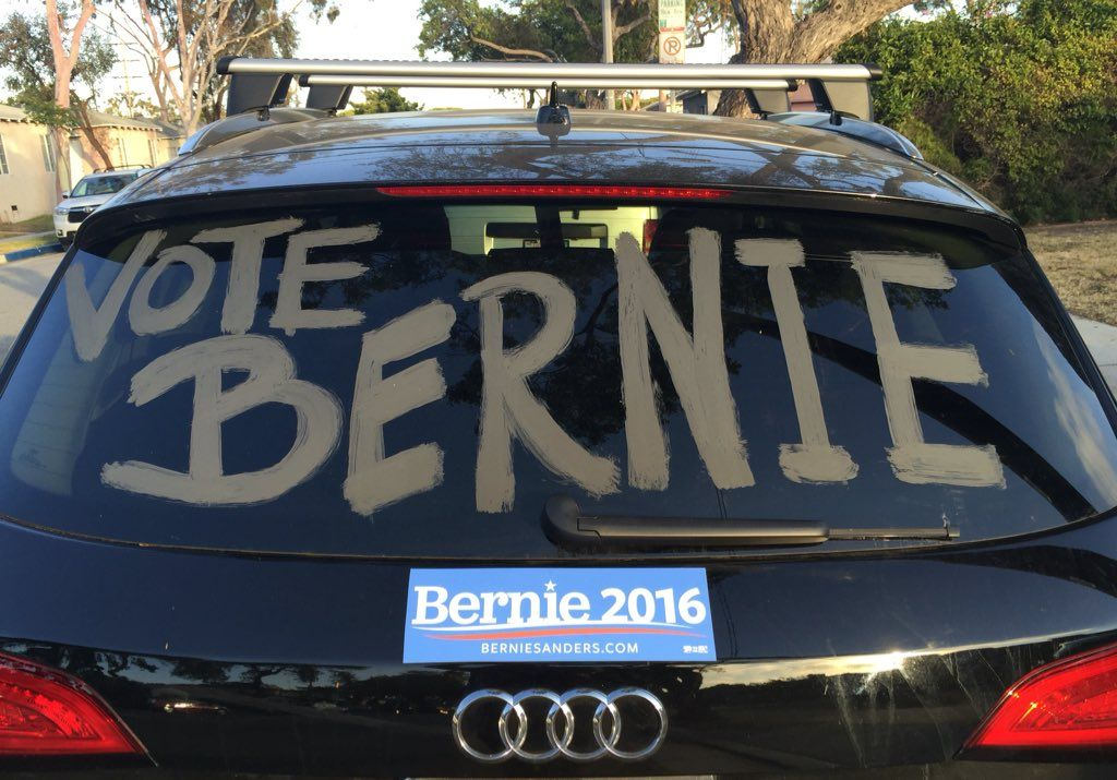 Twitter #BernieSwag