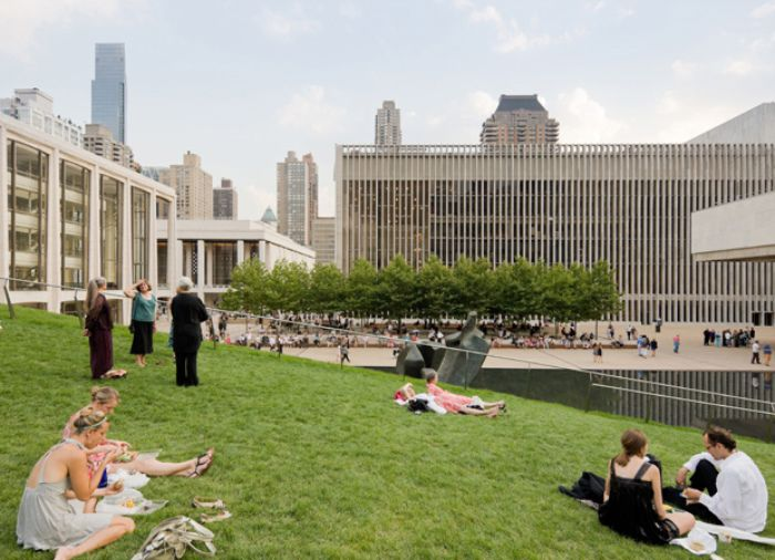 Diller Scofidio Renfro S Grass Roofed Hypar Pavilion Wins Aia New York Chapter S Architecture Award Green Roof Pavilion Green Roof Benefits