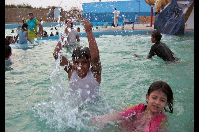 Kids in swimming pool karachi pakistan swimming pools - Metropolitan swimming pool karachi ...