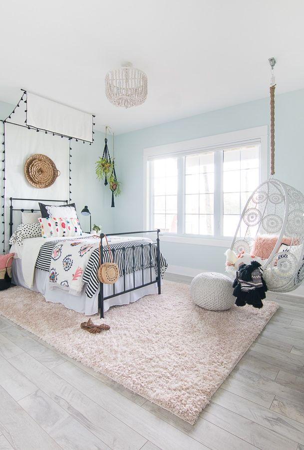 Tween Girl Beachy Boho Bedroom - The Lilypad Cottage #girlrooms