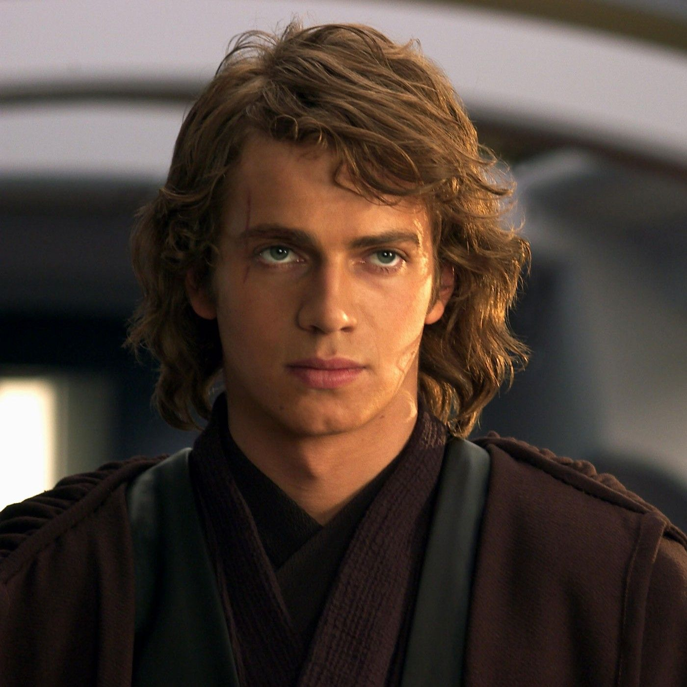anakin's long hairstyle is messy and rugged. | hairstyles i