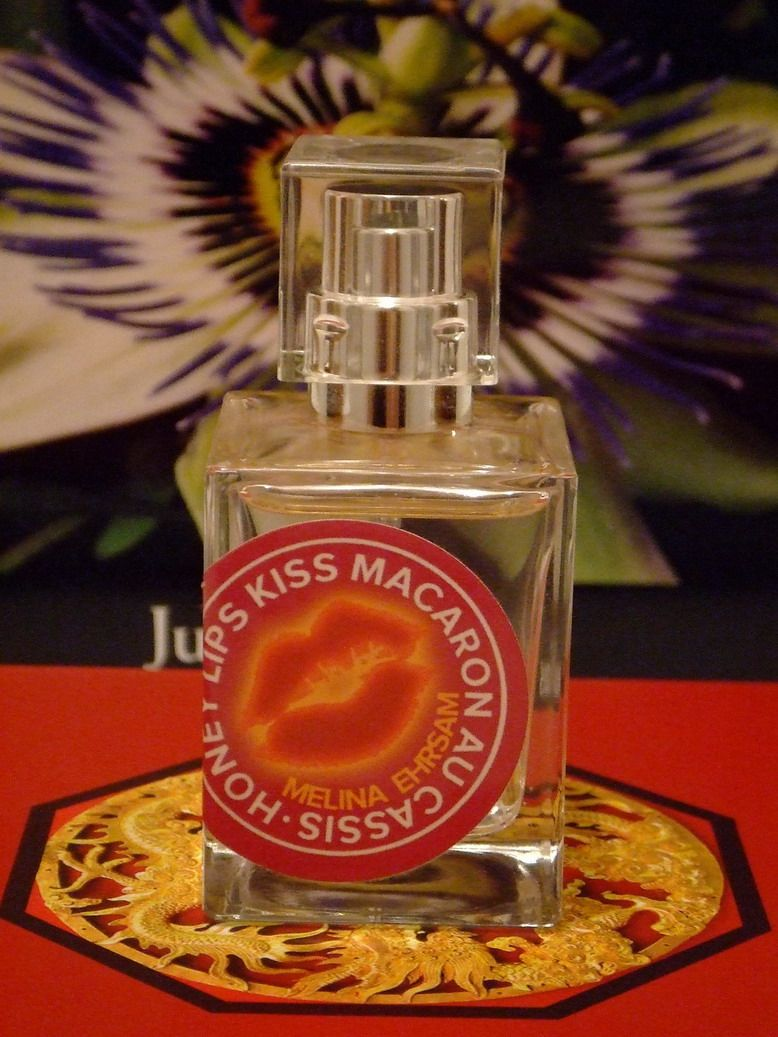 Honey Lips Kiss Macaron au Cassis - Melina Ehrsam