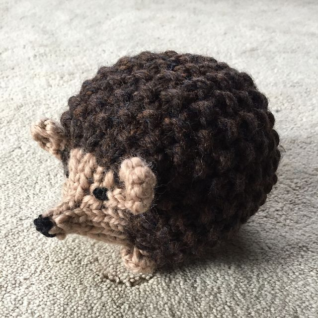 Prickles The Hedgehog Pattern By Emily Wolowiec Hedgehogs