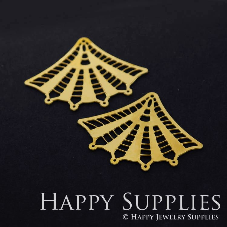 Quality Upgrade - Exclusive - 4pcs Raw Brass Geometric Charm / Pendant, Fit For Necklace, Earring, Brooch (RD369) by happysupplies on Etsy https://www.etsy.com/nz/listing/540824996/quality-upgrade-exclusive-4pcs-raw-brass