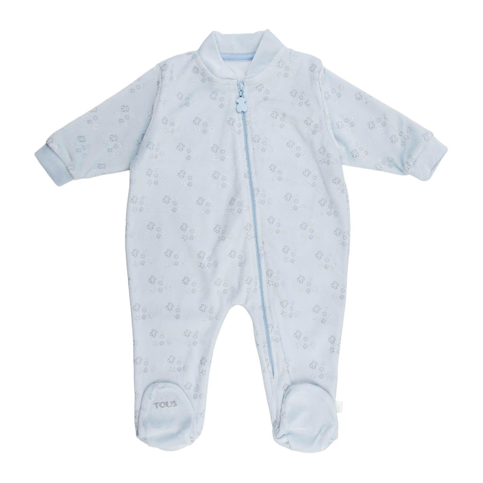 576759aad3 Pijama tundosado de Baby Tous. Dulce estampado de ositos y estrellas  plateadas. Apertura delantera