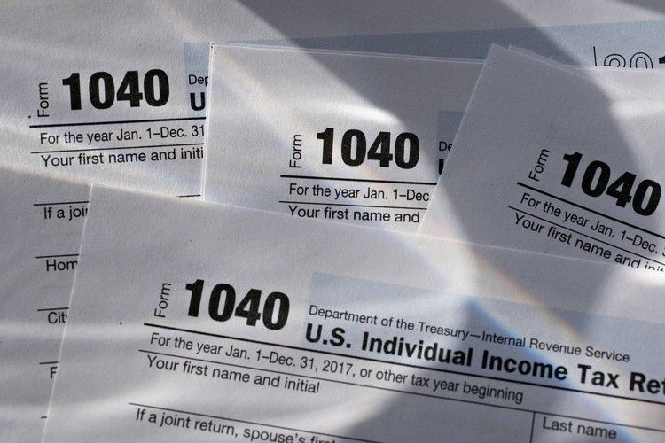 IRS to delay tax deadline by one day after technology