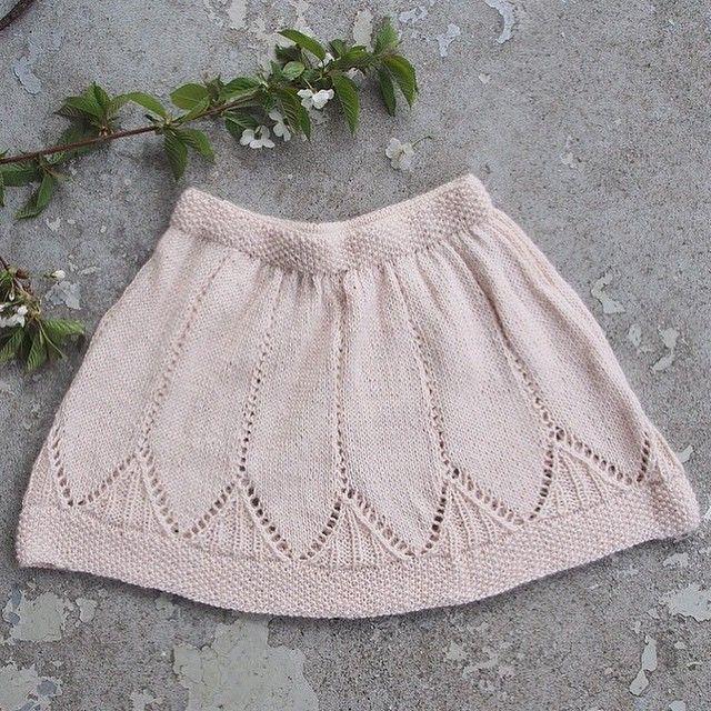 0c0c706d Clara-skjørt • oppskrift på kjolen finner du i Sandnes garn sitt hefte nr  1504