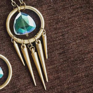 If you are having trouble sleeping at night, it may be because your conscious is telling you that you want to make a Darling Dreamcatcher DIY Necklace. Fun, unique, and cute, this DIY jewelry piece is perfect for someone of any age.