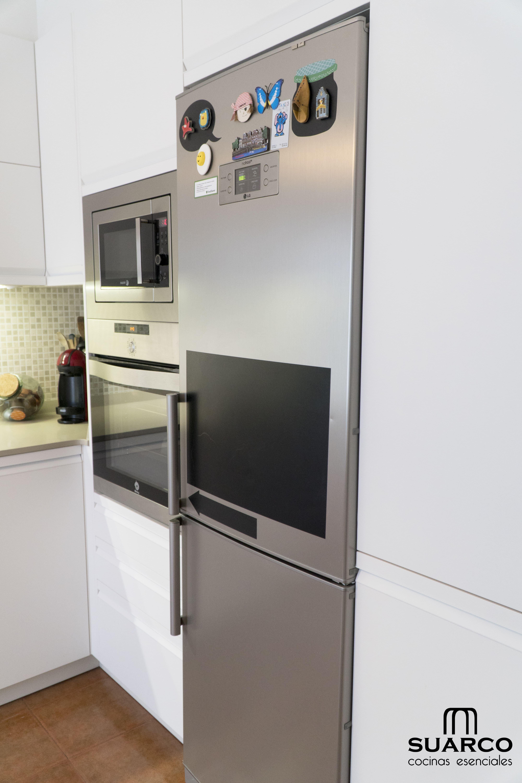 Cocina blanca amueblamiento en forma de l cocinas suarco - Amueblamiento de cocinas ...