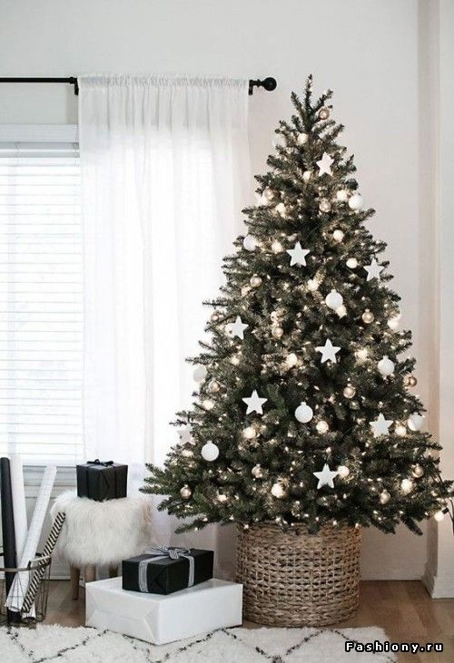 White Christmas tree decorations and ornaments idea …   Pinteres…