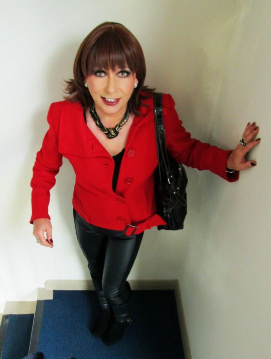 Love the leather pants! | Crossdressers