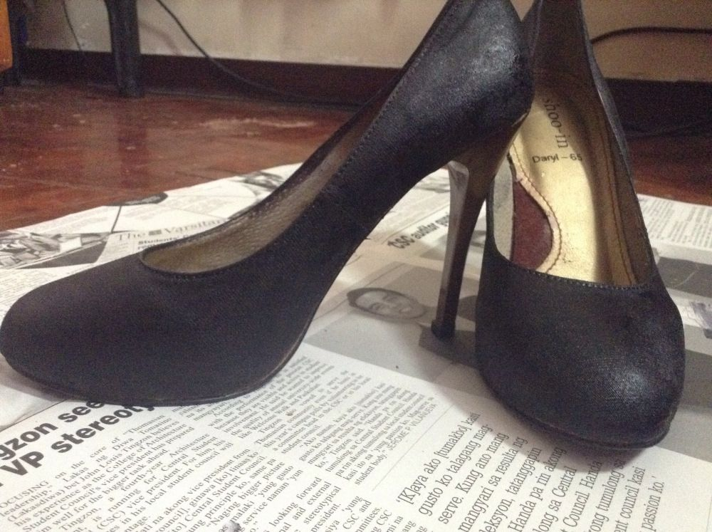 Fix Your Peeled Leather Shoes Heels In A Cheap Way Heels Diy Shoes Leather Shoes Diy