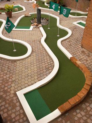 Minigolf in your garden... #golf #DIY | Kinderspiel Selbermachen ...