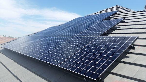 Sunsolarnextdoor Neighborhoodinstallations Residentialsolar Bakersfield Sunpowerelitedealer Bestinstallations Sunpow With Images Residential Solar Solar Installation