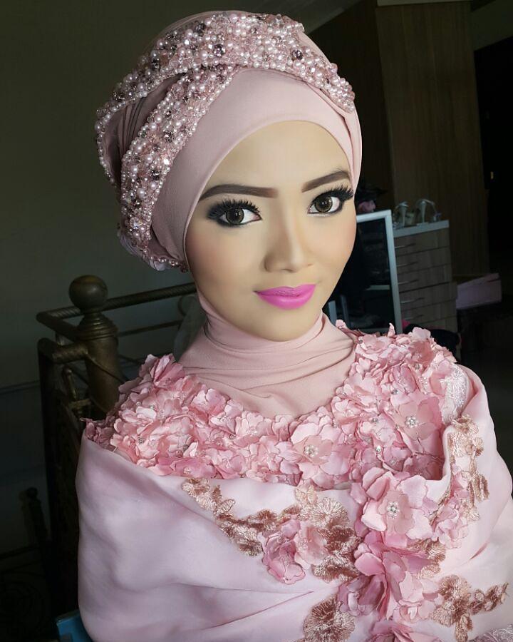 Instagram Photo By Tyaasabrina Mua Malang Apr 16 2016 At 1 58pm Utc Pengantin Pengantin Wanita Gaya Hijab