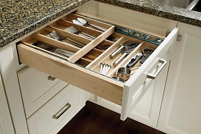 Dovetail drawers Kitchen accessories, Medallion