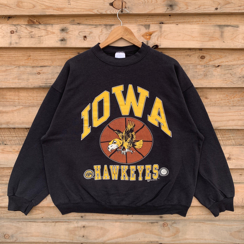 Vintage 90 S Iowa Sweatshirt Iowa Crewneck Iowa Pullover Etsy Sweatshirts Graphic Crew Neck Sweatshirts Pullover [ 3000 x 3000 Pixel ]
