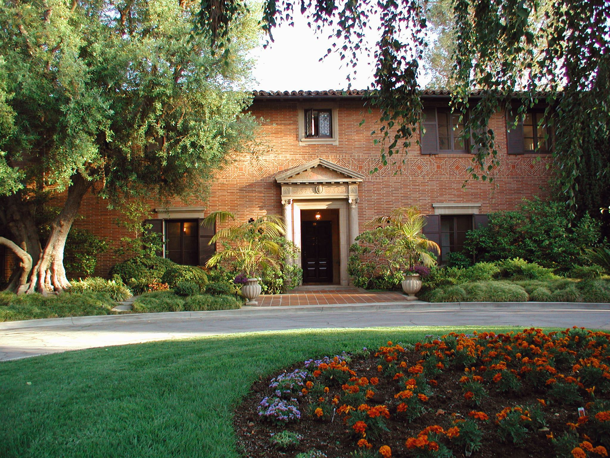 Chancellor\'s Residence—Photo Credit: UCLA Undergraduate Admissions ...