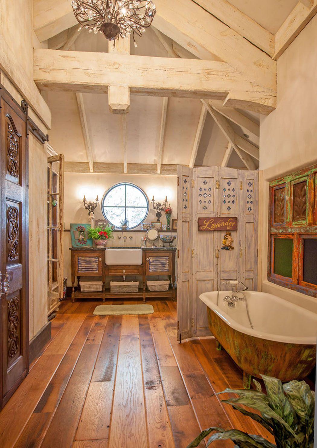 Maison rustique l int rieur en bois et ambiance bien for Deco salle de bain rustique