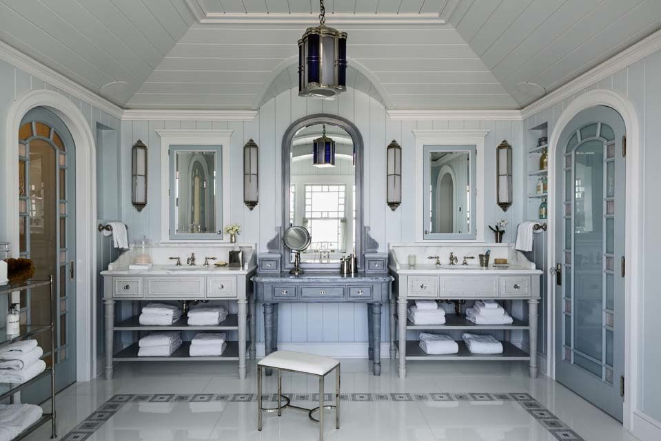 Best Tour A Shingle Style Hamptons Home Designed By Robert A M 640 x 480