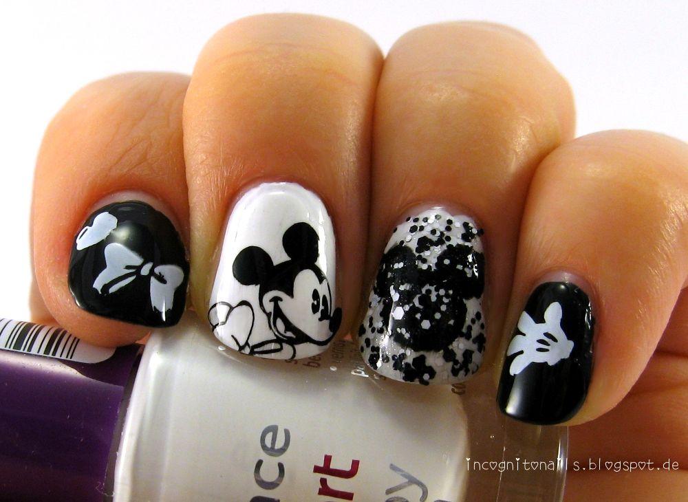 Mickey Mouse Nail Art   Beauty and Stuff   Pinterest   Mickey mouse ...