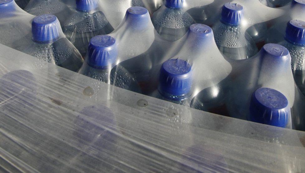 HS: Pullotetun veden juomiselle ei terveydellisiä perusteita – bakteeripitoisuus suurempi kuin hanavedellä