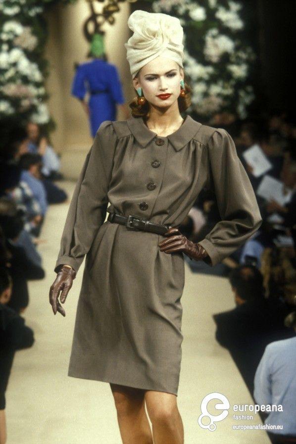 5eb3986a378 belts on | Fashion Flats & Patterns | Yves saint laurent, Saint ...