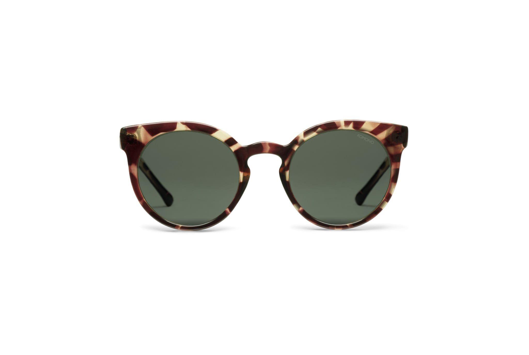 The Komono Lulu sunglasses have a slight upsweep at the edges. Classic and feminine sunglasses for women.