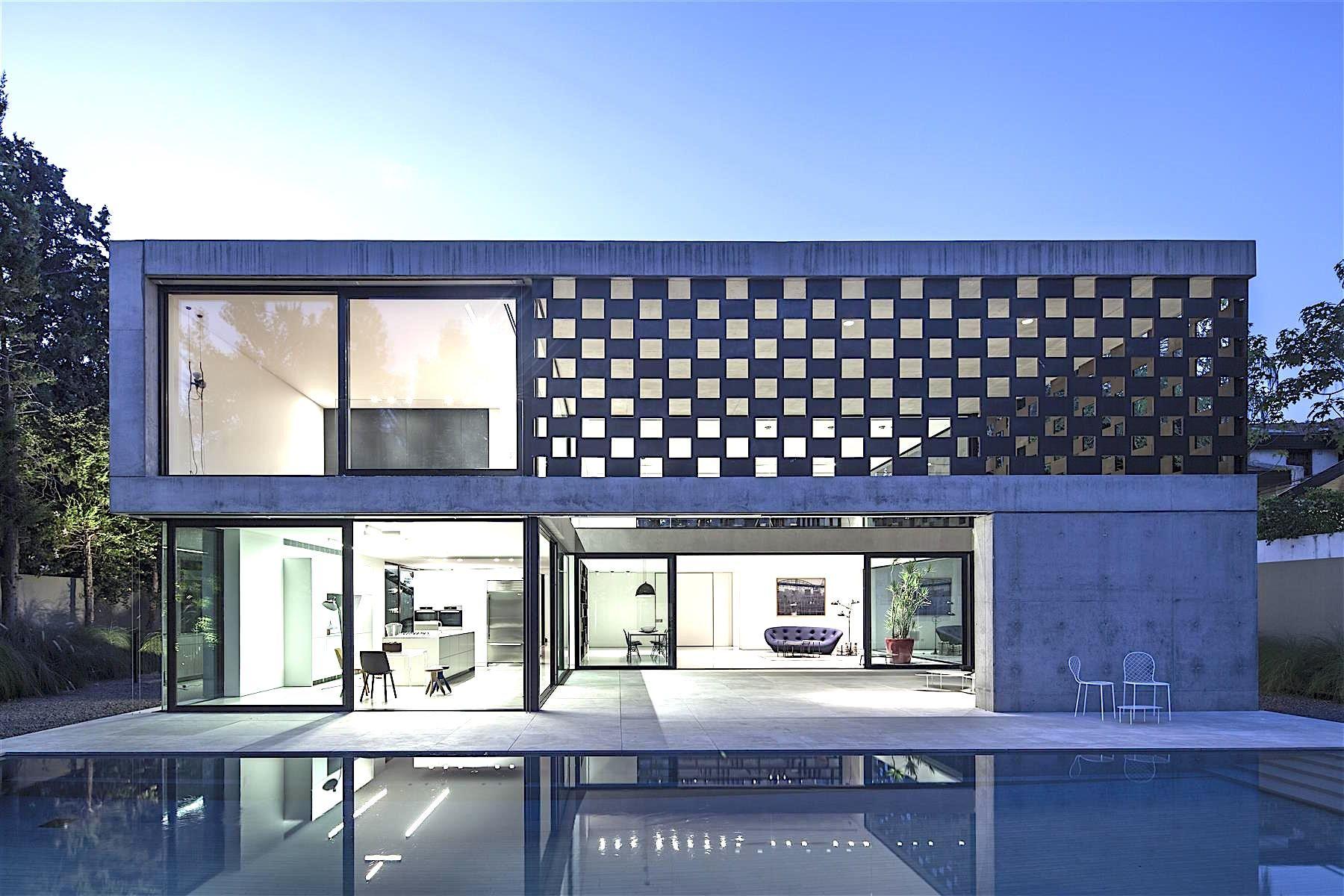contemporary home + pool | Pitsou Kedem Architect