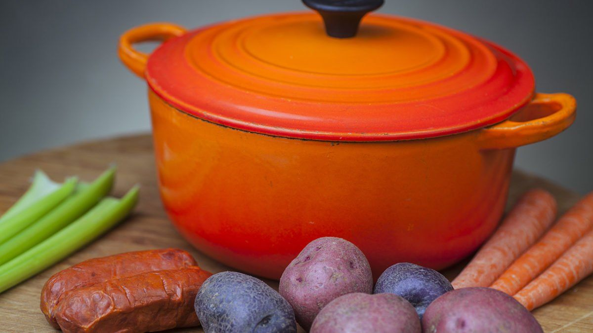 How to Clean a Dutch Oven—the Right Way!   Dutch oven ...