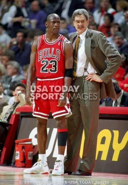 Michael Jordan and Coach Phil Jackson  8fcea7969