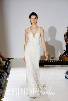 Hola. Hace un par de semanas fue la semana de la moda de novias en Nueva York, *^*, y estas colecciones conservaron un poco la línea de diseño que se ha venido trabajando estos años (muchos encajes…