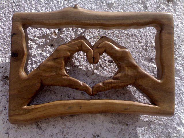 Esculturas em madeira