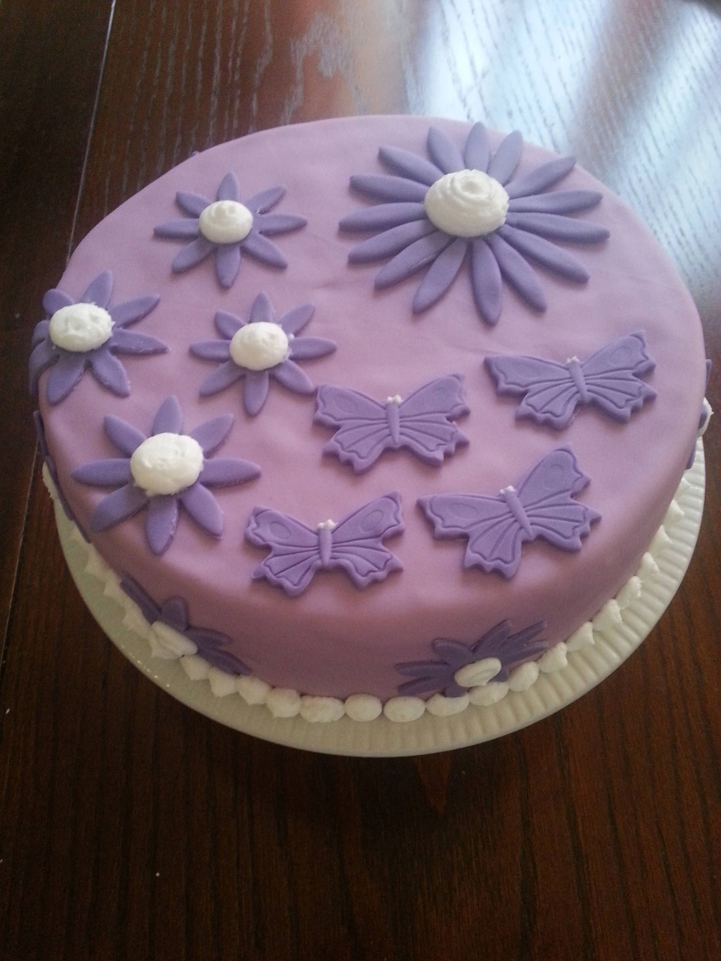 Butterflies purpleby clauscakes cake desserts food