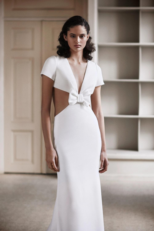Viktor Rolf Bridal Spring 2021 Fashion Show In 2020 Simple Sheath Wedding Dress Bridal Fashion Week Wedding Dresses Unique