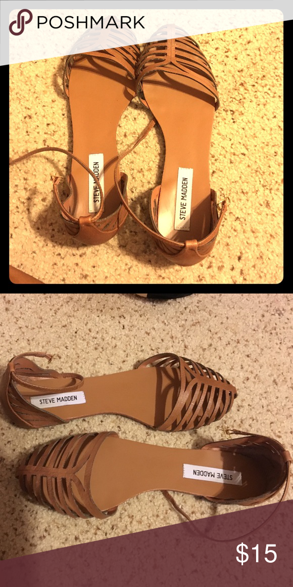 Steve Madden sandals!! Size 10 $15 Steve Madden tan sandals/flats... Great for work/cute skinnys! Size 10 $15 Steve Madden Shoes Sandals