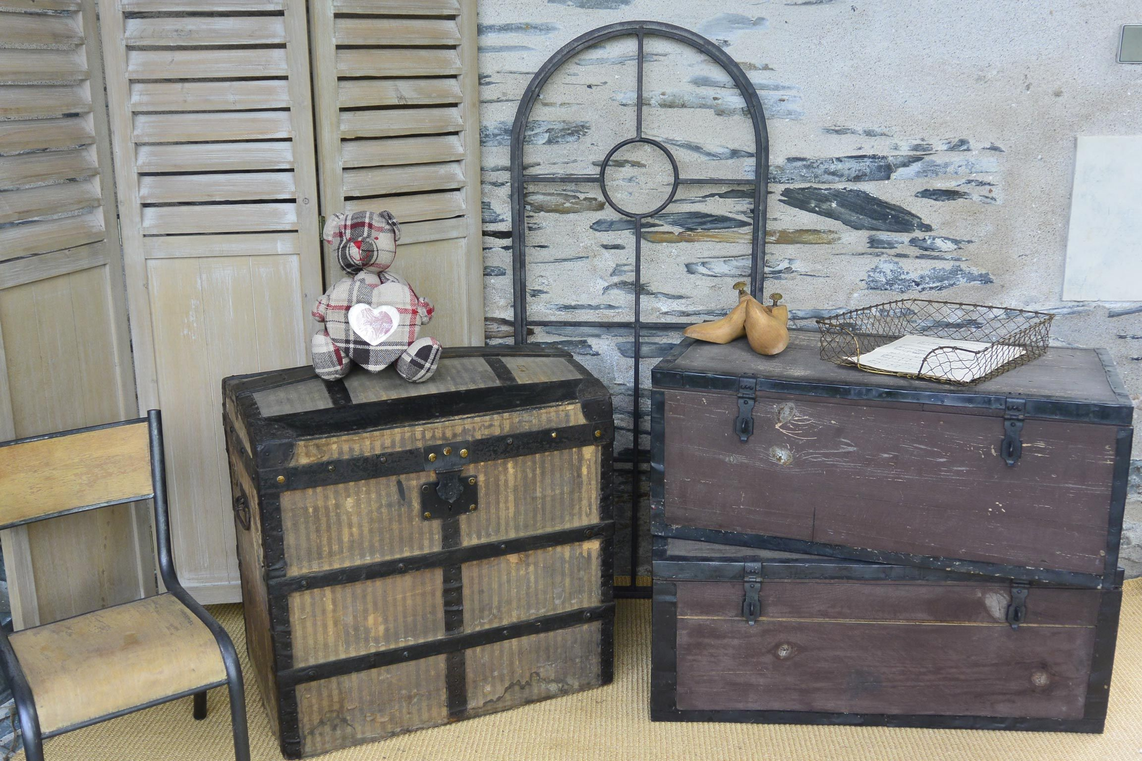 Anciennes Malles Www Grisgroseille Com Meuble Deco Mobilier De Salon Boutique De Decoration