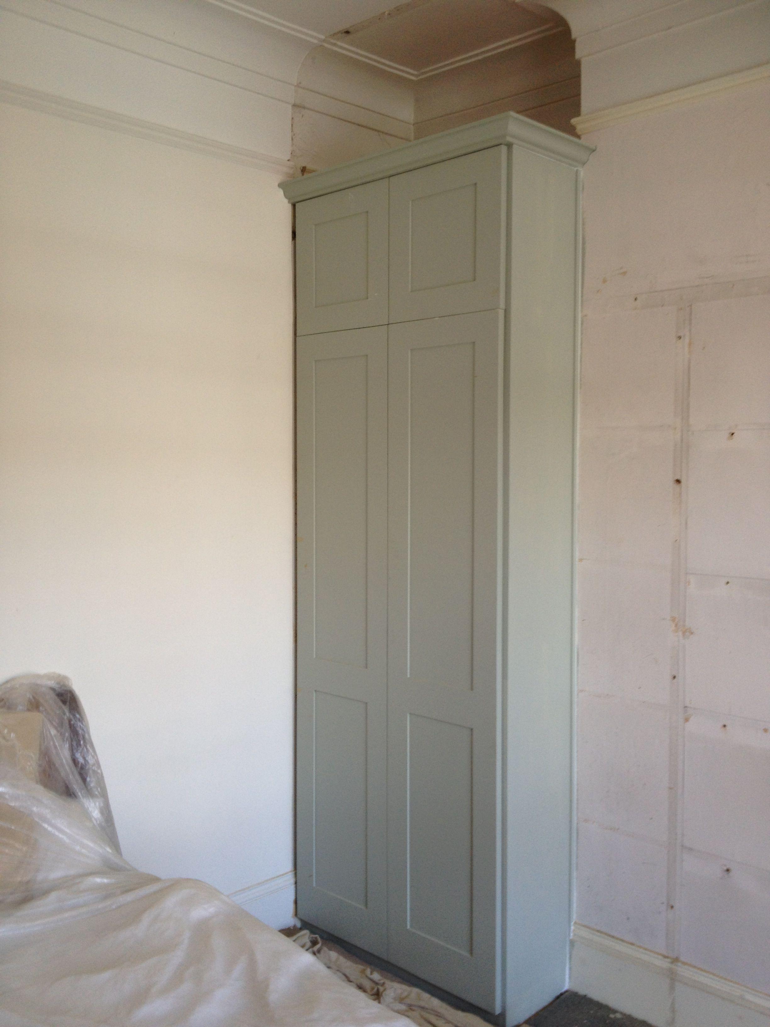 Wardrobe main bedroom - Also wardrobe / cupboard for spare ...